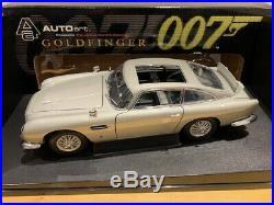 1/18 Autoart Aston Martin DB5 with weapons Bond Version Goldfinger Rare Diecast