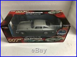1/18 Ertl/Joyride James Bond GOLDFINGER 1965 Aston Martin DB5 with WEAPONS READ