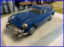 1/43 GILBERT ASTON MARTIN DB-5 ORIG WHITE CHASSIS James Bond SLOT CAR VINTAGE