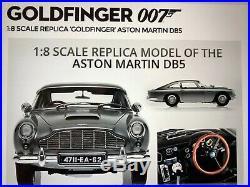 1/8 Aston Martin DB5 James Bond car by Eaglemoss Deagostini magazines included