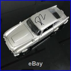118 Aston Martin Db5 Diecast Model Autographed By Daniel Craig James Bond 007
