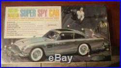 1965 Aurora James Bond 007 Aston-Martin Super Spy Car #585 Model Kit Complete
