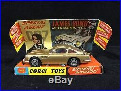 1966 Corgi James Bond Aston Martin DB5 In Original Box with ALL ACCESSORIES