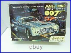 Airfix James Bond 007 Aston Martin Db-5 1/24 Model Complete Unbuilt Unpainted