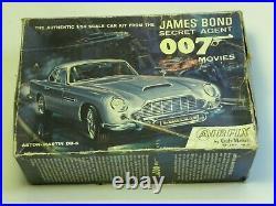 Airfix James Bond Secret Agent 007 Aston Martin DB 5 kit 1/24 scale