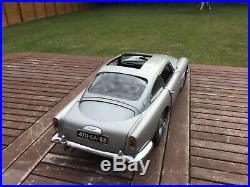 Aston martin DB5 James Bond 1/8 scale eaglemoss