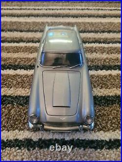 Auto Art James Bond Aston Martin DB5
