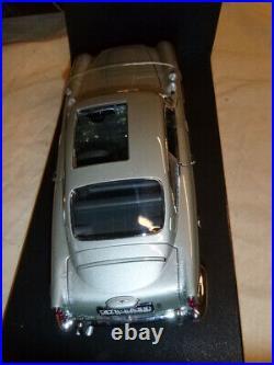 AutoArt Aston Martin DB5 James Bond Goldfinger