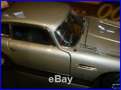 AutoArt James Bond's Aston Martin DB5 GOLDFINGER Boxed