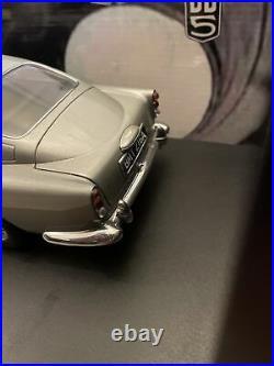 Autoart 1/18 The James Bond Collection Aston Martin DB5 Goldfinger Model Car