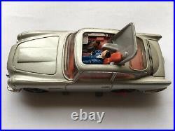 C1968 VINTAGE CORGI TOYS No270 JAMES BONDS ASTON-MARTIN DB5 MINT UNBOXED CAR