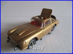 CORGI TOYS 261 James Bond Aston Martin DB5 gold 60er Jahre