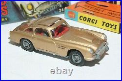 Corgi 261 James Bond Aston Martin, VNM in Original Box
