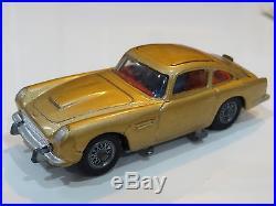 Corgi James Bond 007 Goldfinger Aston Martin 261