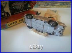 Corgi Toys James Bond 261 complete 100% original