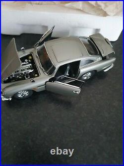 Danbury Mint Aston Martin James Bond Silver Birch Db5