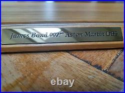 Danbury Mint Gold Aston Martin Db5 James Bond 007 Plinth And Cover Only