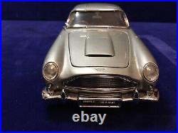 Danbury Mint James Bond 007 1964 Aston Martin DB5 model. Limited Edition