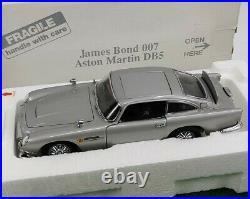 Danbury Mint James Bond 007 Aston Martin DB5 1/24 Scale DieCast RARE