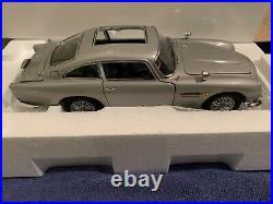 Danbury Mint James Bond 124 Scale Diecast 2 Car Set 007 DB5 & Regular DB5