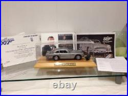 Danbury Mint James Bond Aston Martin DB5 Goldfinger Spy Car 124 MIB