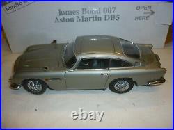 Danbury mint James Bond Aston Martin DB5, Boxed, (NMB)