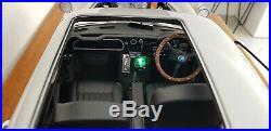 Eaglemoss 1/8 Scale Aston Martin DB5 James Bond 007 build diecast model car