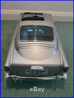 Eaglemoss James Bond 007 Goldfinger Aston Martin DB5 1/8 Scale Replica Model