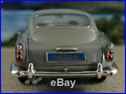 Ertl Joyride 1/18th'65 Aston Martin DB5 James Bond 007VERY RARECasino Royale