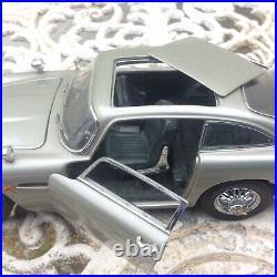 Franklin Mint Aston Martin DB5 James Bond Die Cast 124 Model