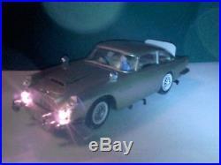 GAMA. Aston Martin B5. James Bond 007. 25 cm lang. Alle Funktionen intakt