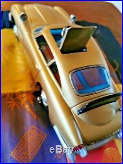 Gilbert aston martin DB5 james bond 007 version Gold 1965 unique et rare