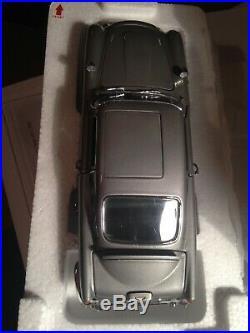 JAMES BOND 007 ASTON MARTIN DB5 Danbury Mint- with FULL Paperwork in box