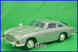 James Bond 007 Secret Agent's Aston-Martin DB5 Action Car NiB