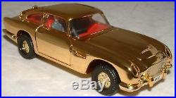 James Bond Gold Plated Aston Martin Db5 (xp)