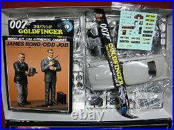 James Bond Goldfinger Aston Martin DB 5 Sean Connery 007 Figure Doyusha 124 DB5