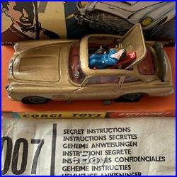 James Bond Vintage 1966 Special Agent 007 Aston Martin DB5 Corgi Diecast 261