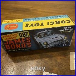 RARE Corgi Toys 261 James Bond Aston Martin Goldfinger