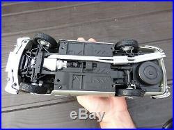 Rare Ejector Seat + Gadgets Autoart 1/18 Aston Martin DB5 007 James Bond Toy Car