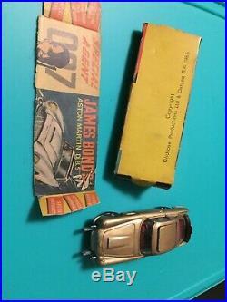 VINTAGE CORGI TOY 261 THE JAMES BOND ASTON MARTIN D. B. 5 And Original Box