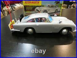 VINTAGE GILBERT JAMES BOND ASTON MARTIN DB5 NEAR MINT -CAR REALLY SHINES! WithBOX