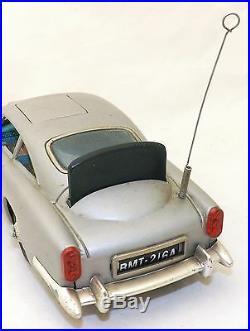 Vintage 1965 Gilbert Toys James Bond Batt-Op Aston Martin Goldfinger