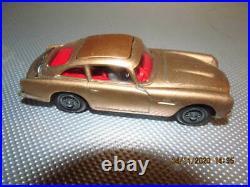 Vintage CORGI JAMES BOND ASTON MARTIN DB5 No 261 NEAR MINT ORIGINAL