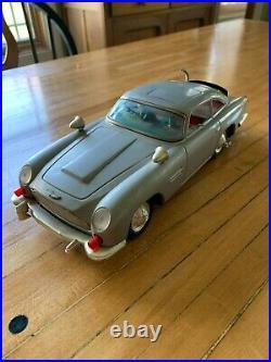 Vintage Gilbert James Bond Aston-Martin 007 Car